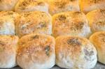 Sandwichbrød med pesto - foccacia boller