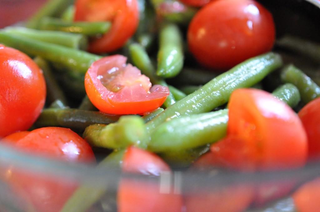 Bønnesalat med grønne bønner og tomat