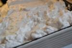 Syltetøjskage med makron marengs opskrift