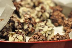 Konfekt med nougat chokolade & hasselnødder