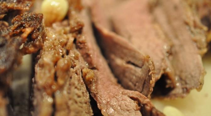 Hvidløgsculotte og små stegeskystegte kartofler.