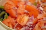 Bønnesalat med rødløg og sennepsdressing