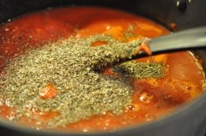 Tomatsovs til pizza og pasta - nem opskrift