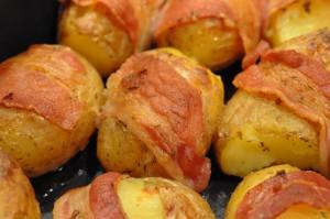 Små frække kartofler med bacon