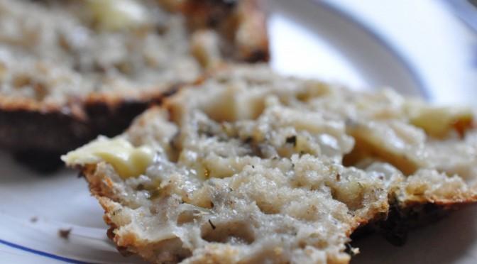 Madbrød med løg, hvidløg og oregano – af koldthævet dej