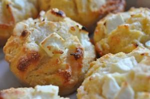 Scones med feta ost & majsmel bagt uden gær