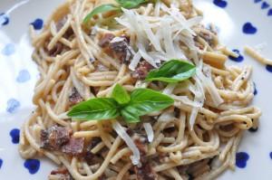 Spaghetti Carbonara med fløde pasta opskrift
