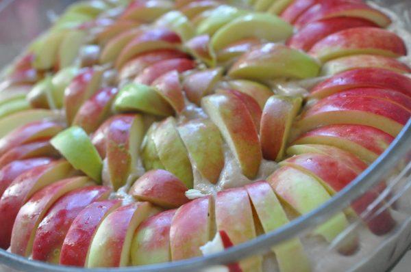 Æblekage med kanel - nem & fedtfattig opskrift
