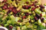 Grøn salat med asparges