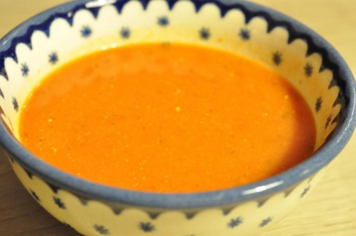 DSC 9481 700x464 Nem og lækker krydret tomatsuppe med fløde
