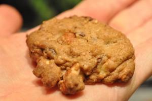 Jule cookies med chokolade & mandler opskrift