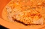 Koteletter i stegeso med tomat & fløde opskrift