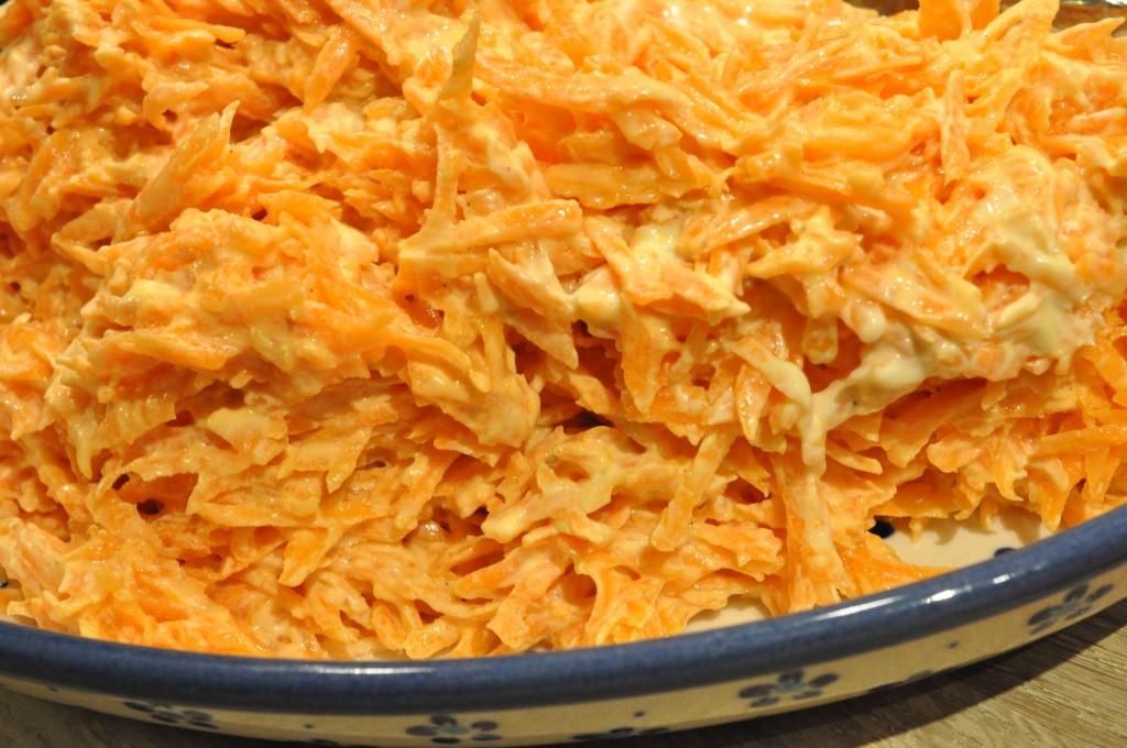 Coleslaw med skyr og gulerod - nem opskrift