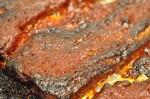 Stegt flæsk i barbecue med øl - svinebryst i ovn