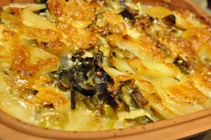 Flødekartofler med porrer og ost - opskrift