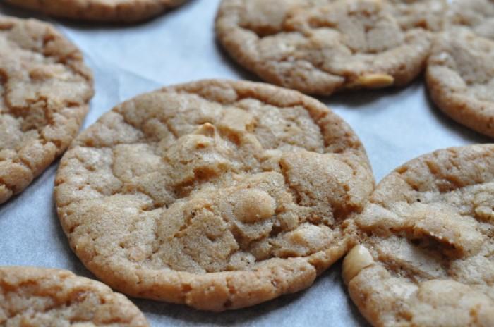 DSC_4967Lækre sprøde smørbagte cookies med ristede hasselnødder