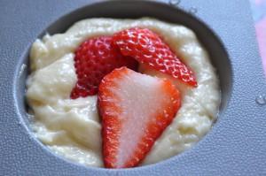 DSC_5300 muffins med jordbær og marcipan