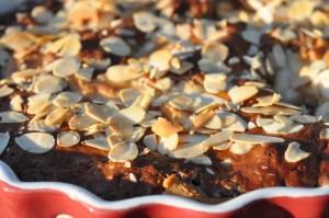 Rabarberkage med marcipan og skyr opskrift