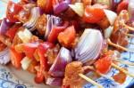 Grillspyd opskrift med svinekød og grøntsager