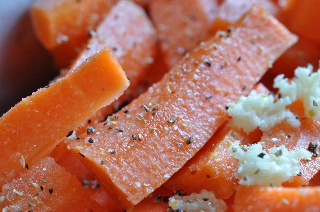 Gulerødder i ovn med hvidløg - nem opskrift