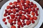 Pavlova med marcipan og jordbær - opskrift
