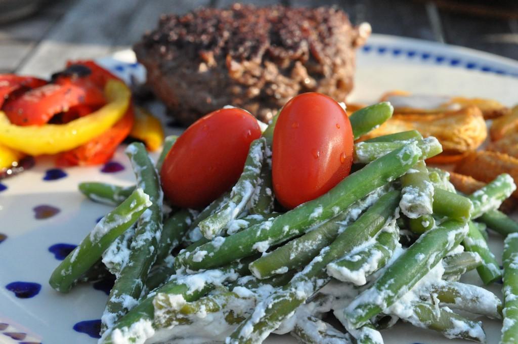 Bønnesalat med creme fraiche - nem opskrift