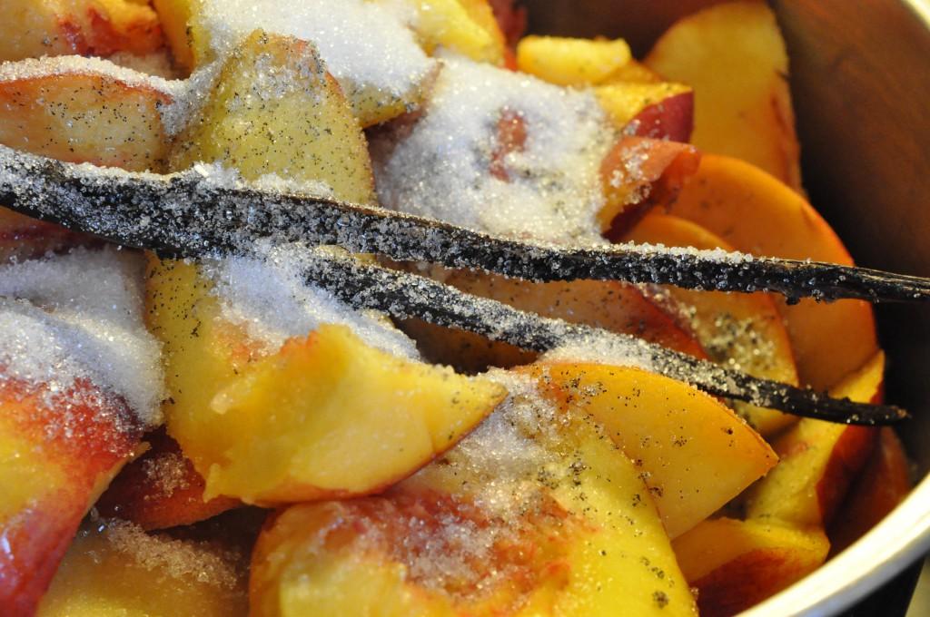 Ferskenmarmelade og nektarinmarmelade med vaniljeprikker
