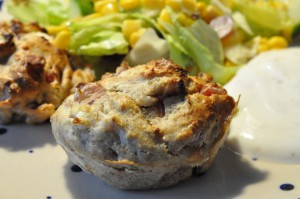 Grove muffins med skinke, feta og soltørret tomat