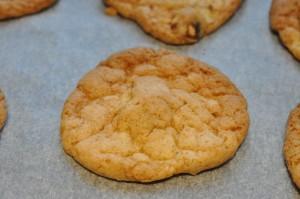 Bagenørdens sprøde cookies med mandler og nougatcreme