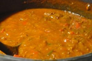 Kødsauce med porrer, peberfrugt og aubergine