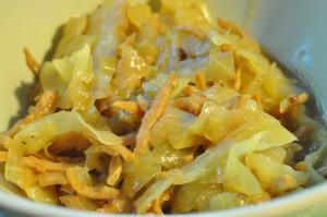 Fedtfattig fedtforbrændende karrykål med skinke og kokosmælk