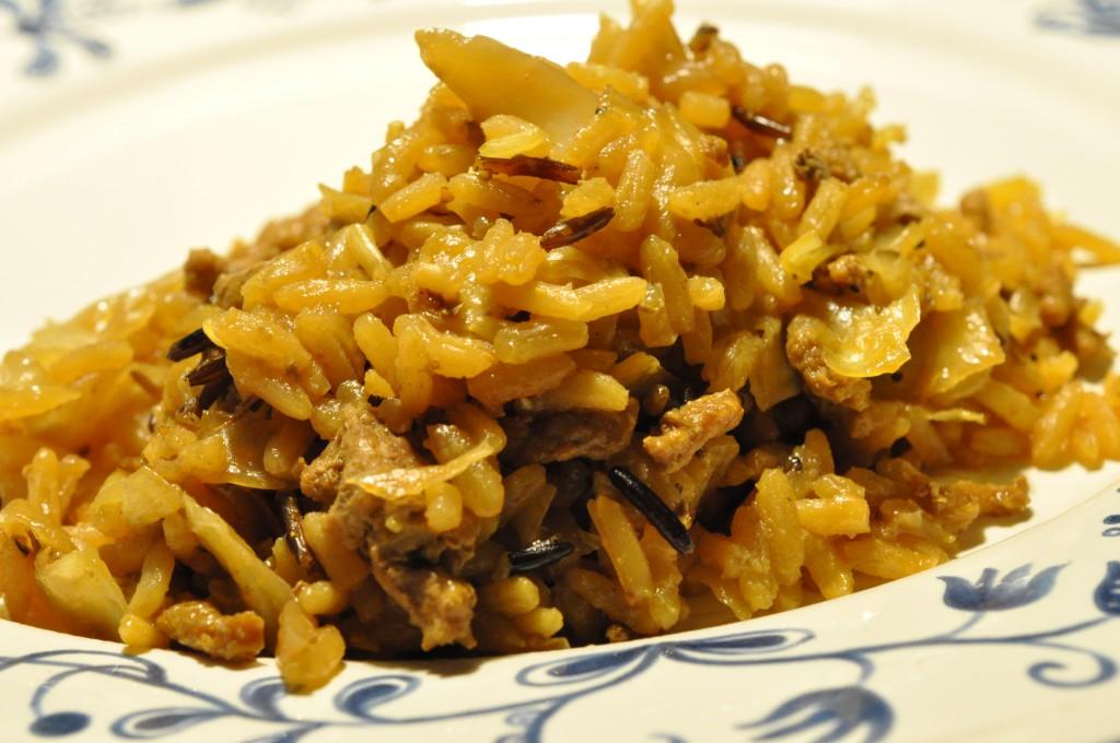 Risret med karry, hvidkål, soya og kokosmælk