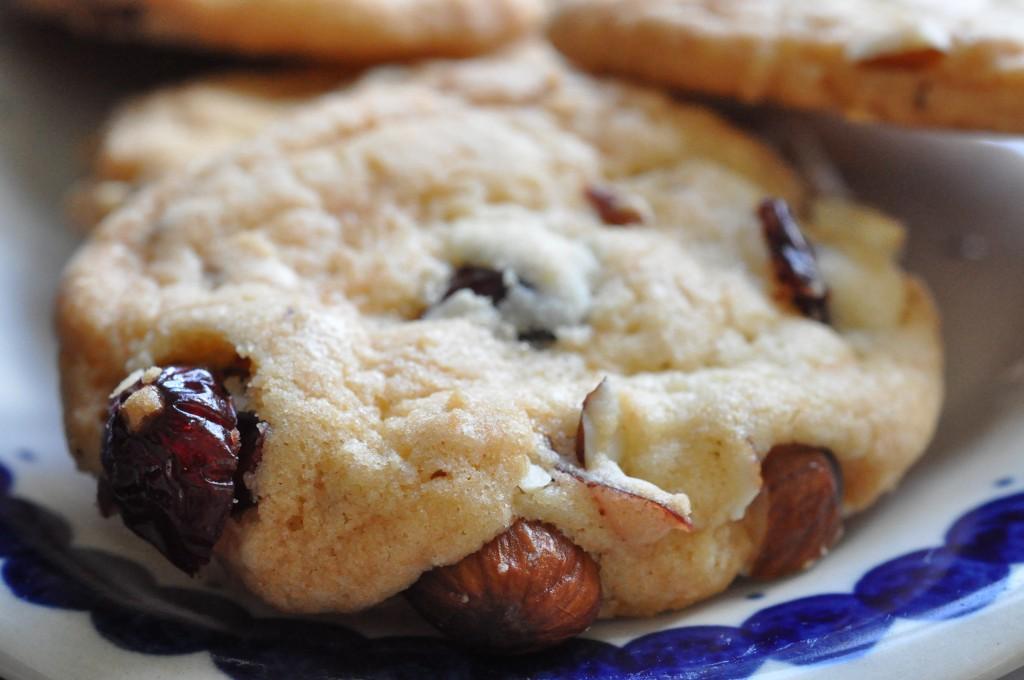 Cookies med vanilje, tranebær og mandler