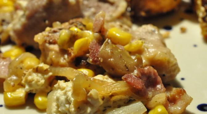 Mørbradbøffer i folie med bacon og løg og sprøde sesamkartofler