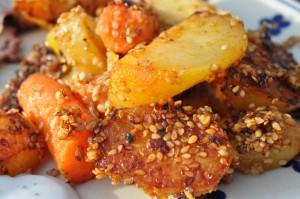 Kartofler i ovn med chili og sesam - opskrift