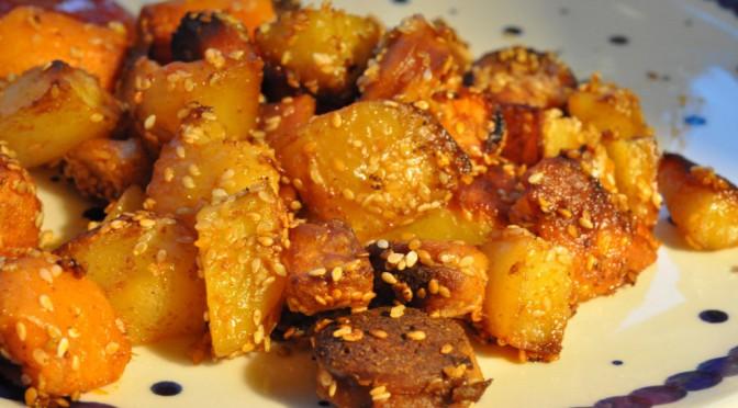 Bagenørdens pølsemix med gulerødder, sesam og paprika