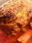 Helstegt nakkesteg i Rómertopf med fløde-tomatsaauce