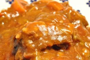 Mør og smagfuld osso buco i tomat og rødvinssauce