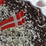 Svampet chokoladekage med marcipan og Nutella