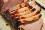Glaseret hamburgerryg og hjemmelavet champignonsauce