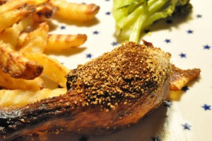 Sprødstegt kylling med sennep, rasp og  paprika
