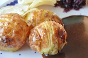 Flæskesteg og hasselbackkartofler