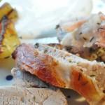 Mørbrad i baconsvøb med honning og timian kartofler