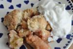 Rabarbercrumble med æg, havregryn og smør