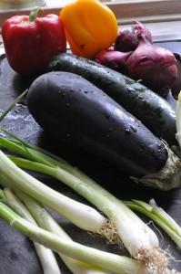 Nakkefilet med bulgur, squash og aubergine i Römertopf
