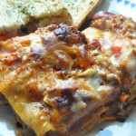 Verdens bedste lasagne med gulerødder og hvidløgsbrød