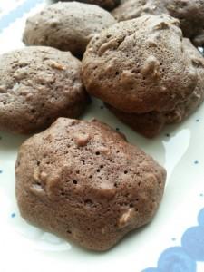 Nemme lækre chokoladecookies med kakao og Marsbar