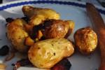 Olieristede kartofler med soltørret tomat og pinjekerner