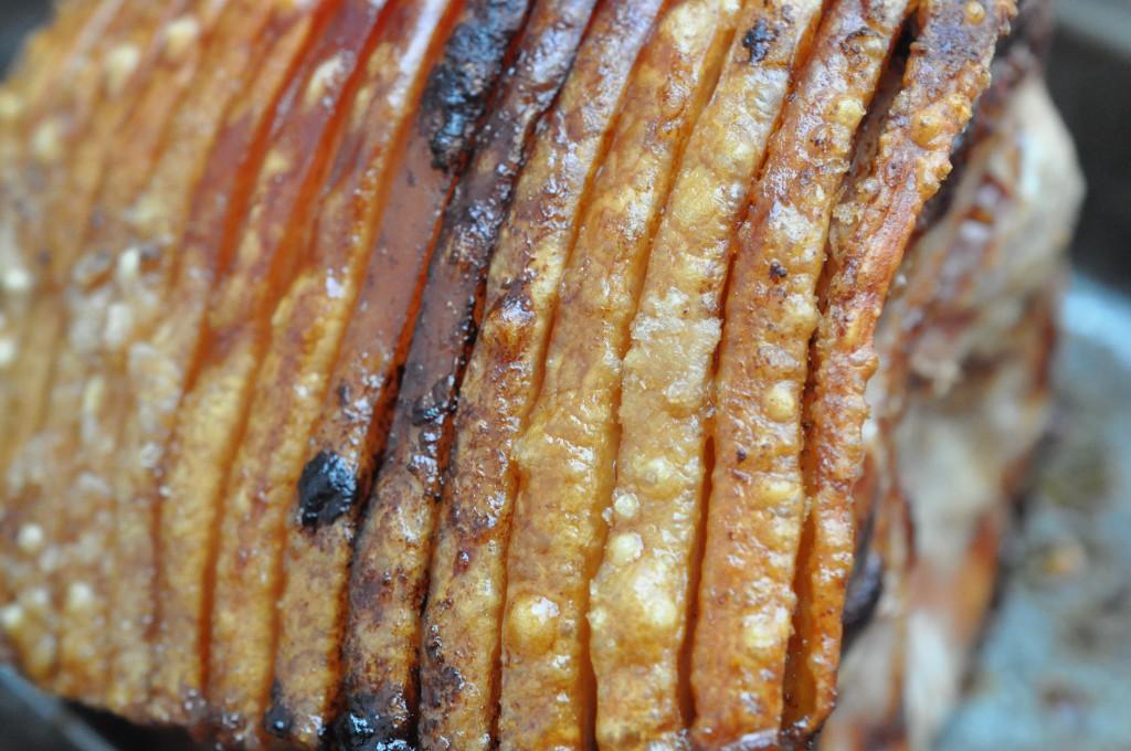 Grillet flæskesteg med sprøde svær