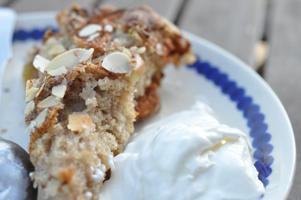 Æblekage med kanel og marcipan - nem opskrift